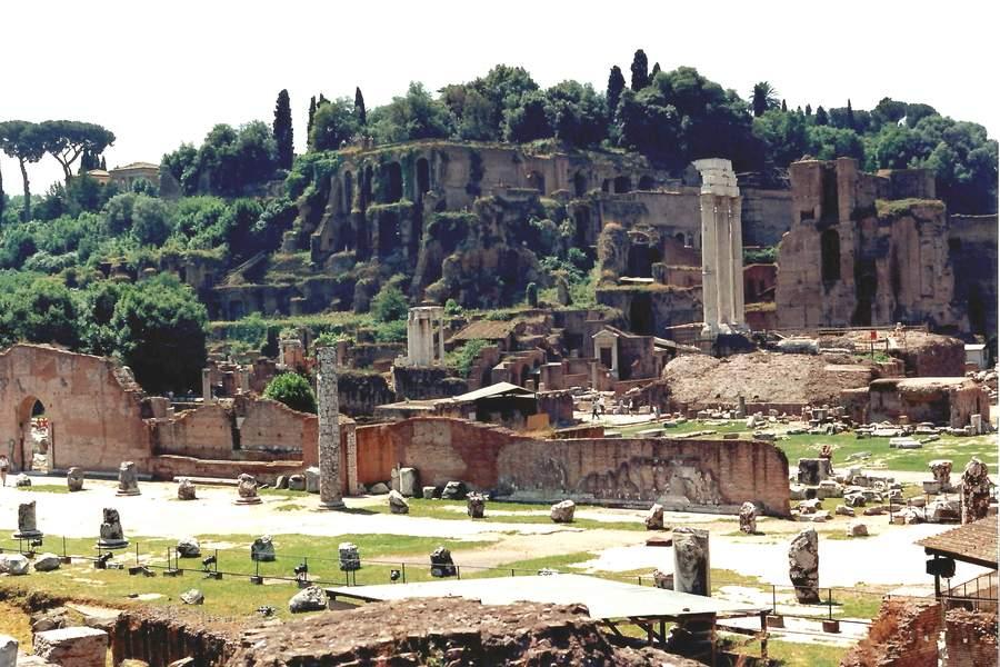 palast rom cäsar