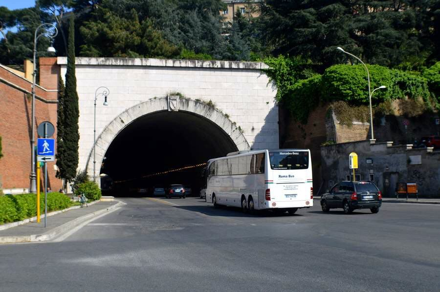 tunnel der vorzeit